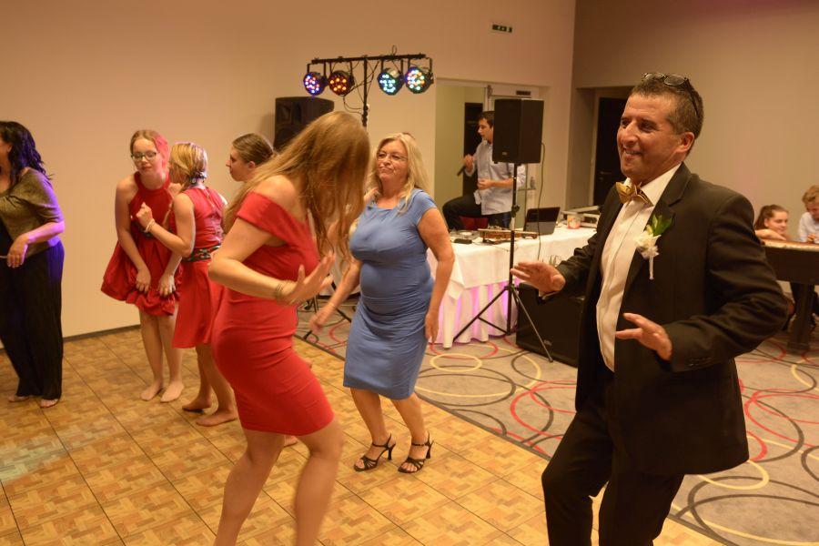 a097338f8 Štefan Sklenár - Svadobný DJ, moderátor a starejší na svadbu