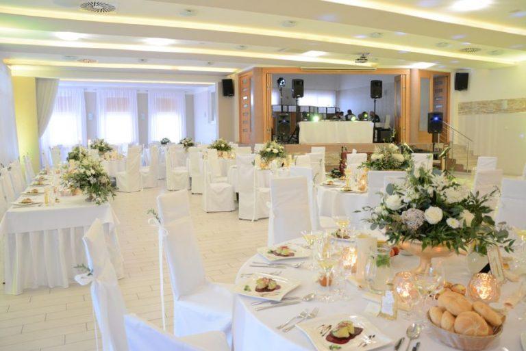 kmk restaurant Lednicke Rovne svadba dj